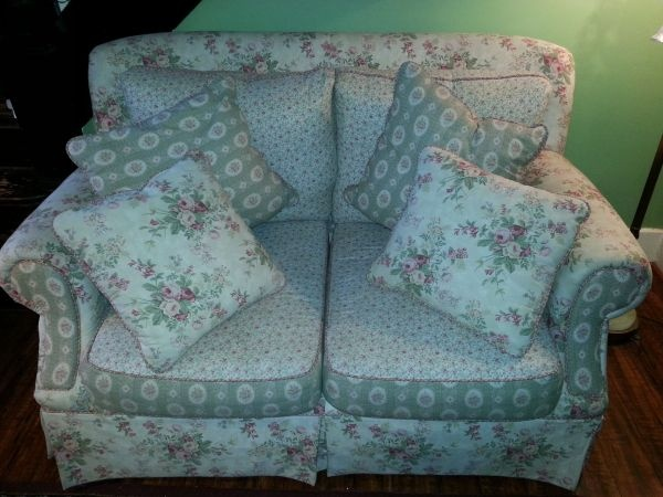 17 Best Images About Hickory Hill Furniture On Pinterest