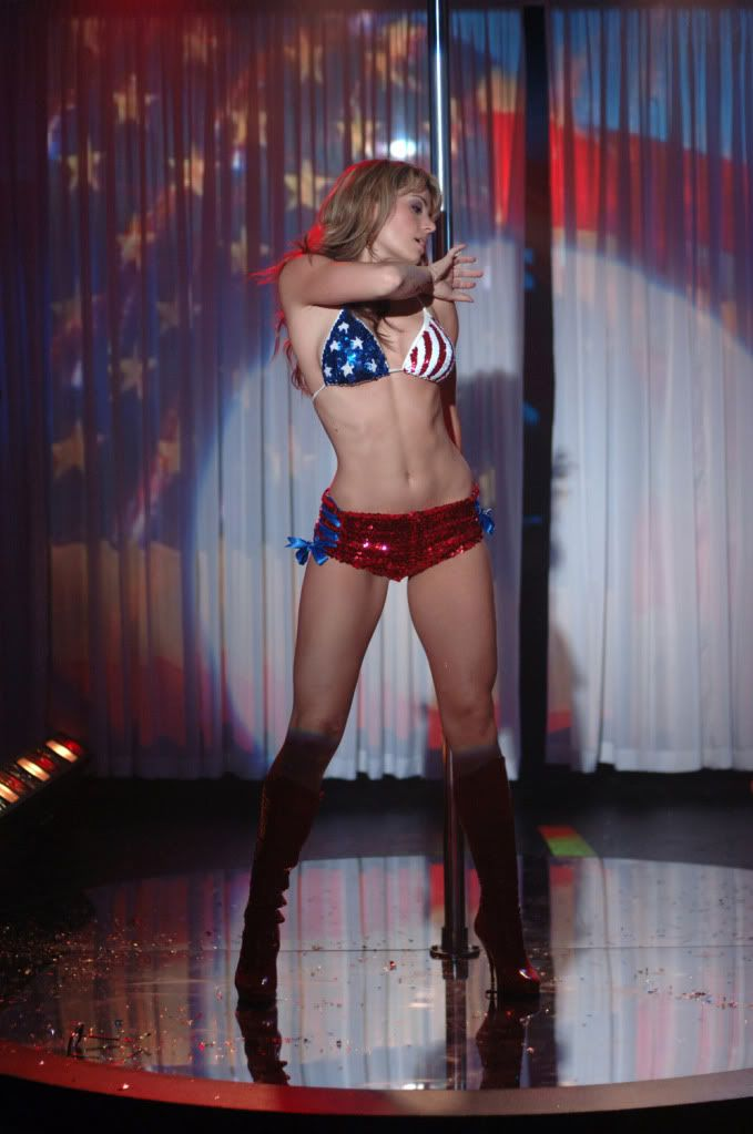 American Flag Pin Up Girl Wallpaper Amber Waves Lois Lane Erica Durance Exposed Episode S5