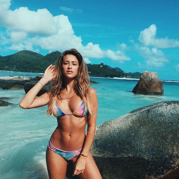Unusual Girls Wallpaper Cindy Prado Miami Model Blogger Instagram