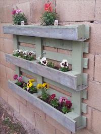 32 best images about Pallet Window Boxes on Pinterest ...