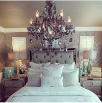 Celine 5-piece Mirrored and Upholstered Tufted Queen-size ...