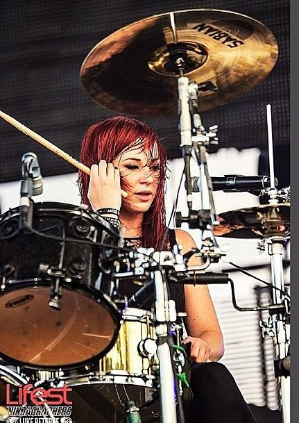 Jen Ledger Cute Wallpaper 25 Best Ideas About Jen Ledger On Pinterest Skillet