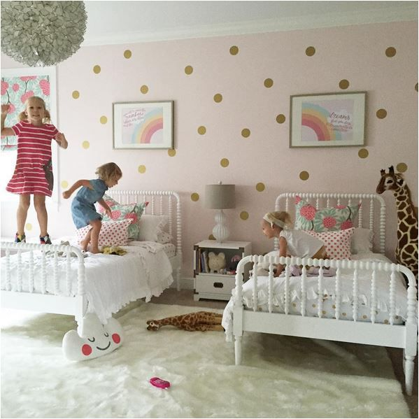 Teenage Girl Room White And Gold Polka Dot Wallpaper 25 Best Ideas About Twin Girls Rooms On Pinterest