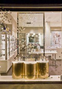 1000+ ideas about Salon Window Display on Pinterest | Hair ...