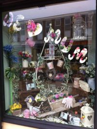 17 Best images about Window display ideas :) on Pinterest ...