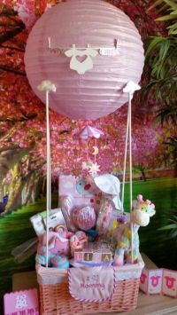 Baby Shower hot air balloon gift basket. DIY | Decoracin ...