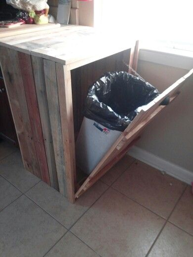 Industrial Style Möbel Hide A Way Trash Can...made From Old Pallets. | Home Plans