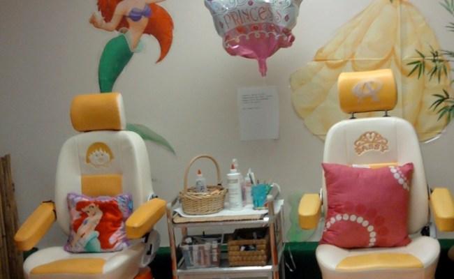 My Princess Spa Chair Find Us On Facebook Tropical Nails Salon Nail Art Gelish Toes Nail