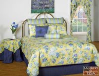 Floral comforter, Hydrangea flower and Comforters bed on ...