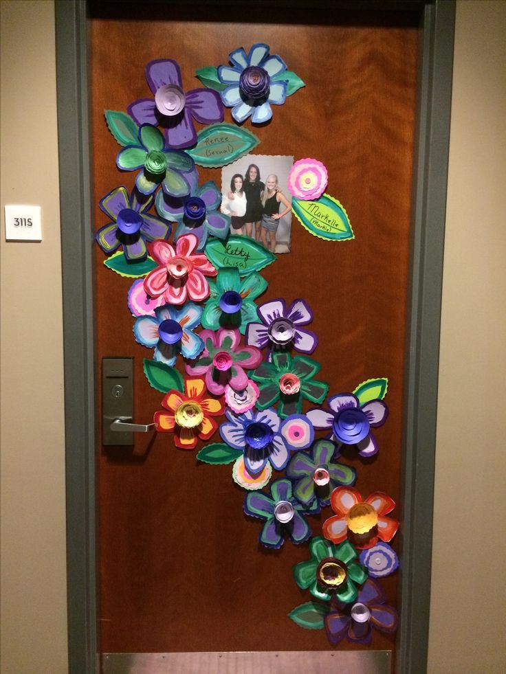 25+ best ideas about Dorm door decorations on Pinterest