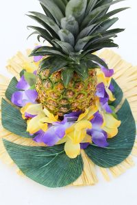25+ Best Ideas about Hawaiian Centerpieces on Pinterest ...
