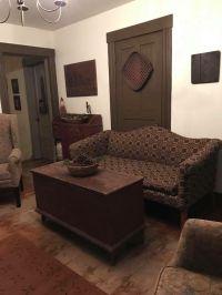 Best 25+ Primitive living room ideas on Pinterest | Old ...