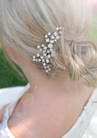 Best 25+ Hair Brooch ideas on Pinterest | Wedding hair ...