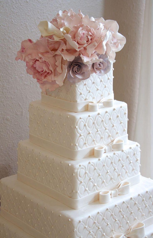 fake wedding cakes fake wedding cakes 38 Flower Adorned Wedding Cakes for A Spring Soir e
