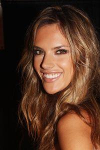 Alessandra Ambrosio- Hair & makeup. | Hair | Pinterest ...