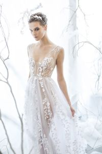 Best 25+ Ethereal wedding dress ideas on Pinterest | Barn ...