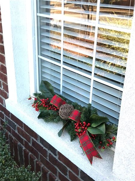 17 Best ideas about Christmas Window Decorations on