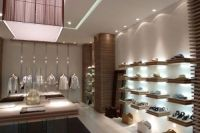 retail store with accent lighting | store with accent ...