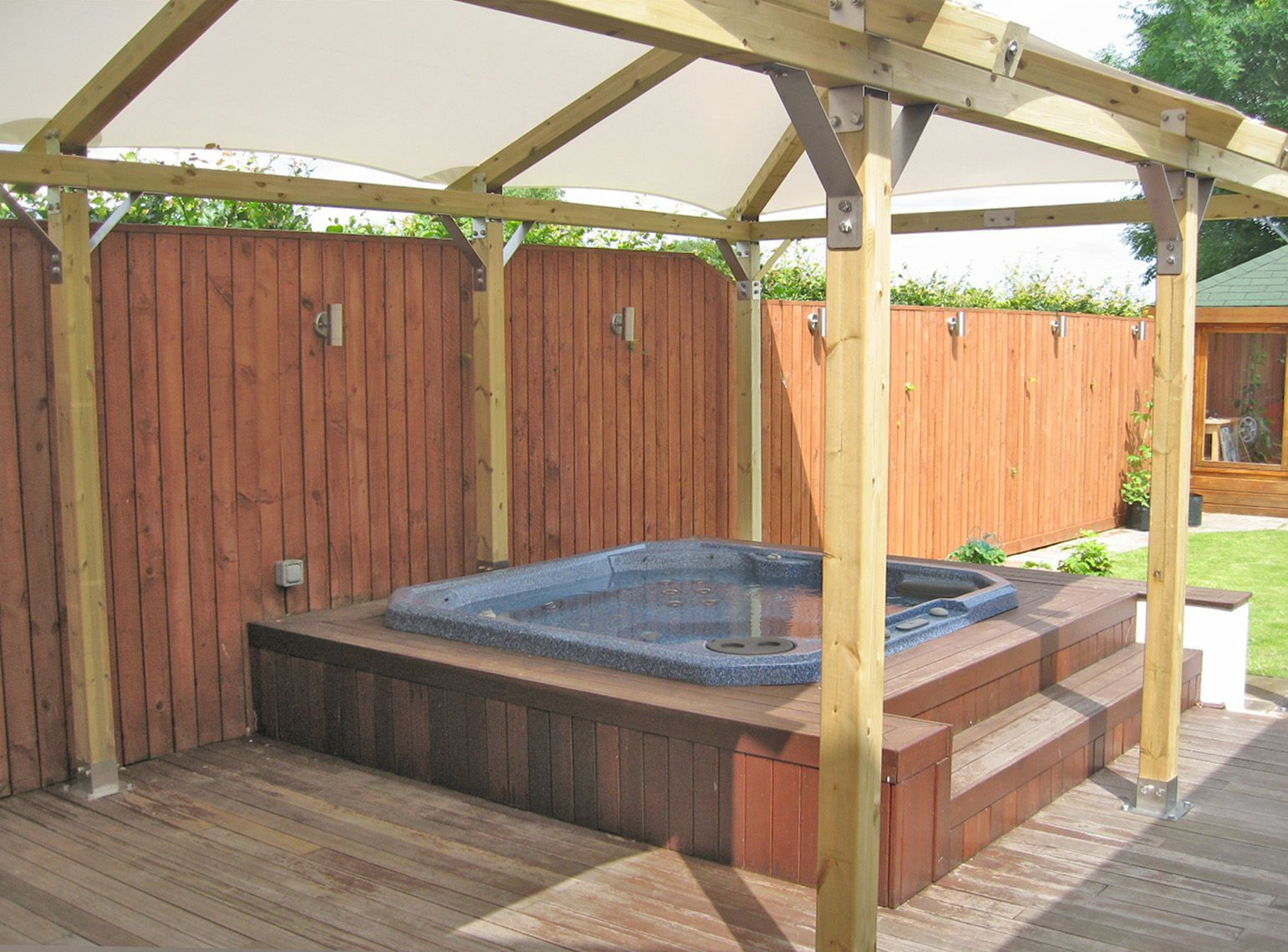 Diy Hot Tub Diy Spa Enclosure Google Search Decking And Hot Tub