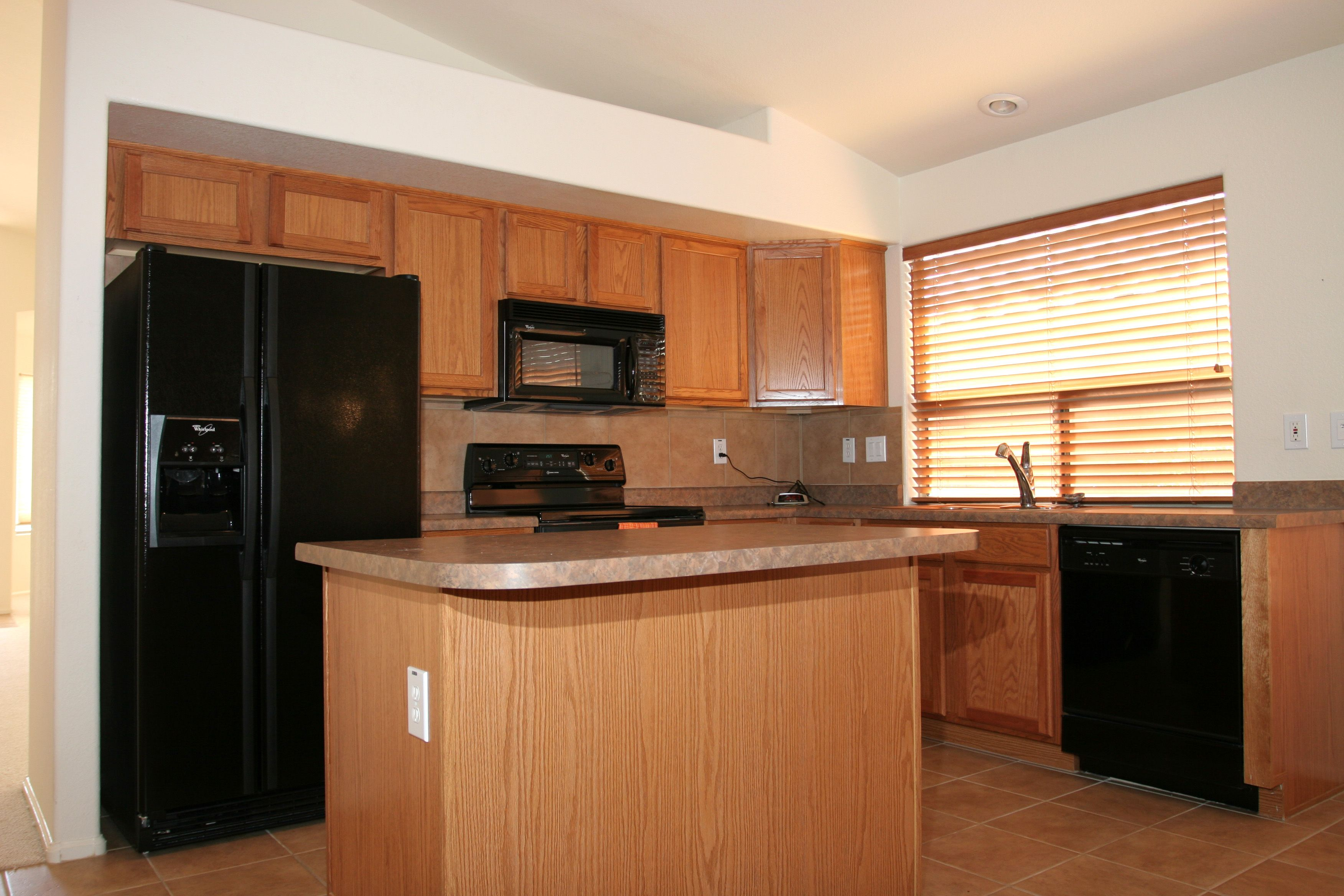 Kitchen Designs With Oak Cabinets And White Appliances Kitchen Black Appliances Photo Gallery Homes Of The