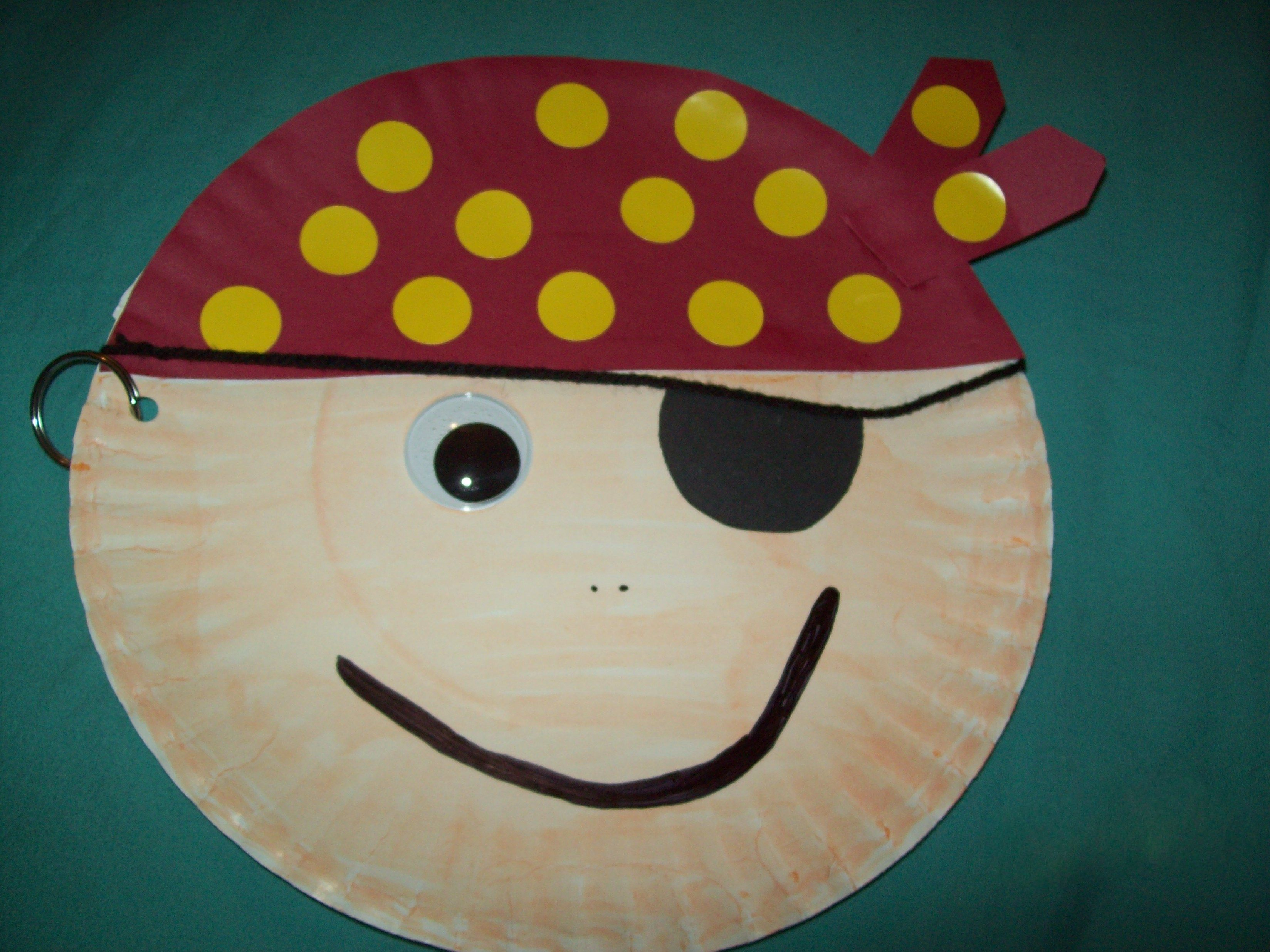 Paper plate pirate craft for kids