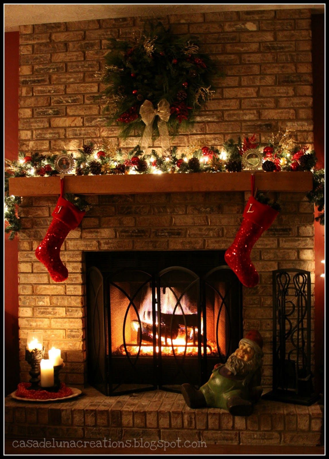 How To Decorate Fireplace Wall Interior Awesome Christmas Mantel Decoration With Red