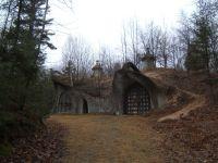 House built into hill | House ideas | Pinterest | House ...
