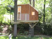 Awesome and simple tree house! Some great things to note ...
