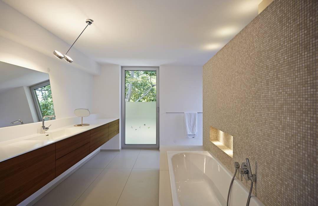 Moderne Badezimmer Bilder Badezimmer Mit Waschbecken Aus Corian    Badezimmer Corian