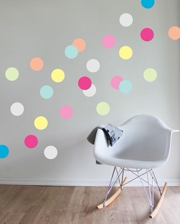 schöne dekoideen kinderzimmer wandsticker fargige punkte - wandsticker babyzimmer nice ideas