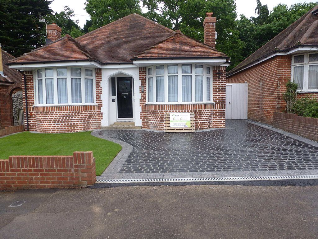 Patio Bungalow Vrijstaand Nice New Driveway And House In Good Condition Houses Uk