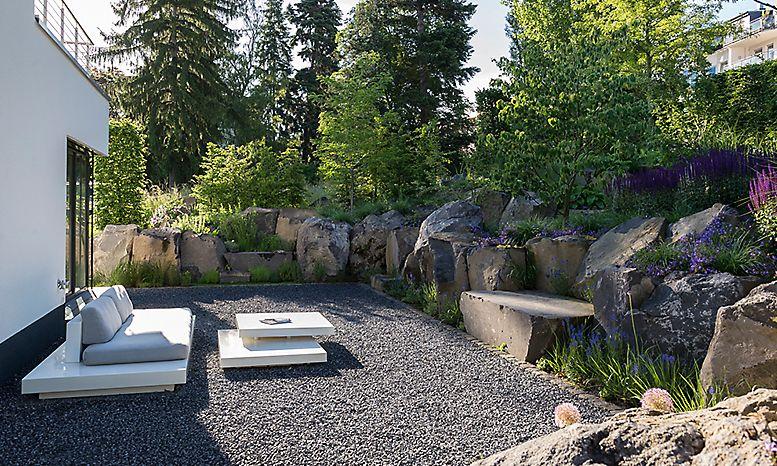 steiler hang hinter dem haus gestalten Kategorie Privatgarten - garten am hang