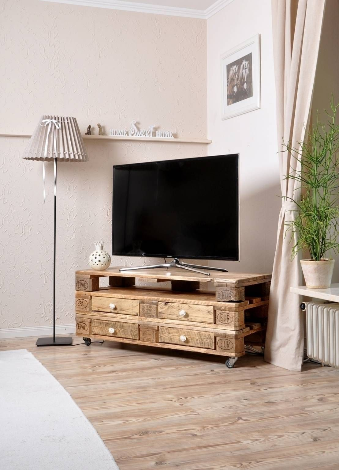 tolle mobel aus paletten hats tables and tv tables