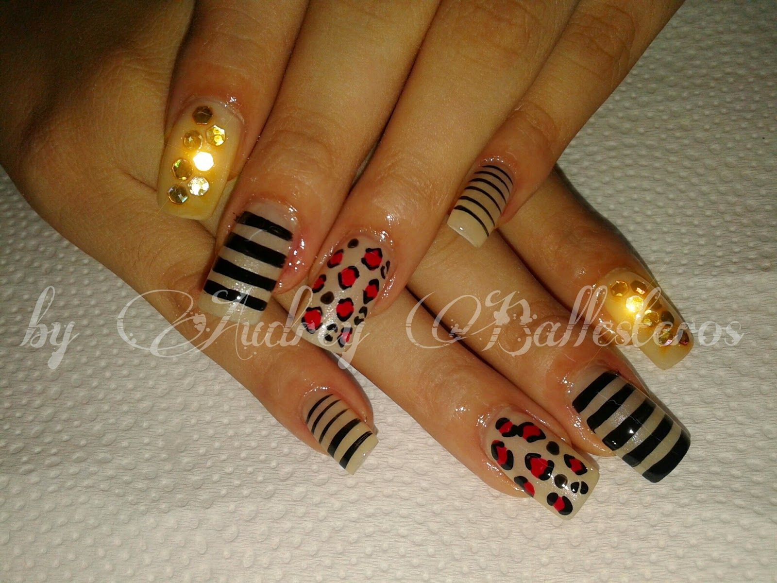Uñas De Gel Decoradas Sencillas Pin De Margarita Cadenas En Uñas Decoradas Pinterest