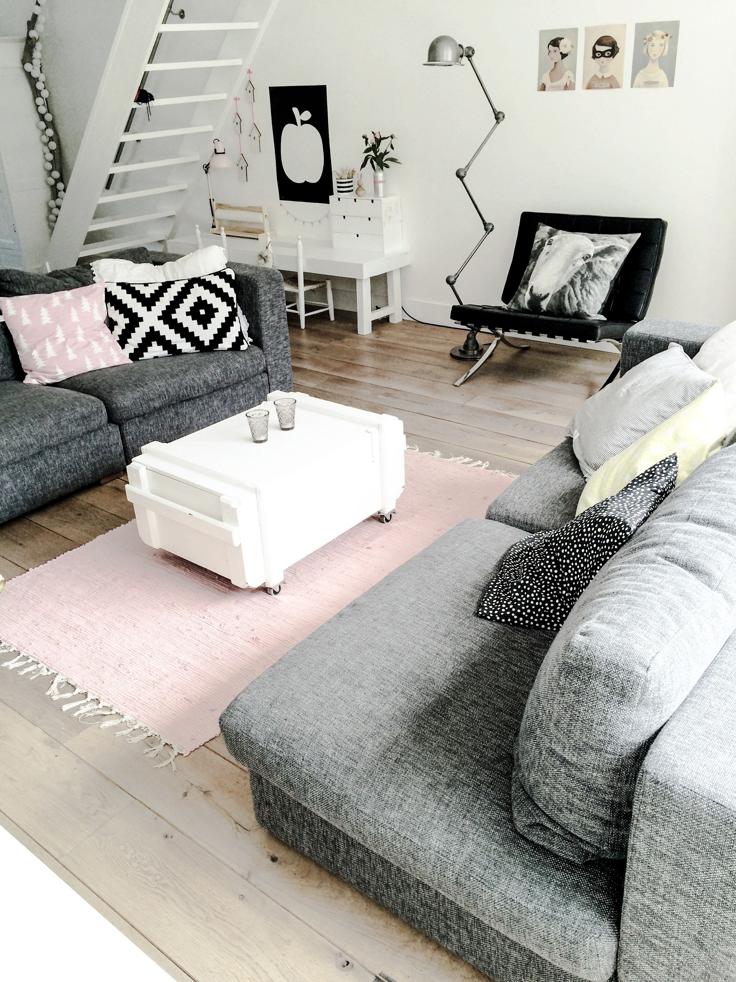 Pink And Grey Living Rooms Killer Color Combo Black White Pale Pink 43 Grey Grey