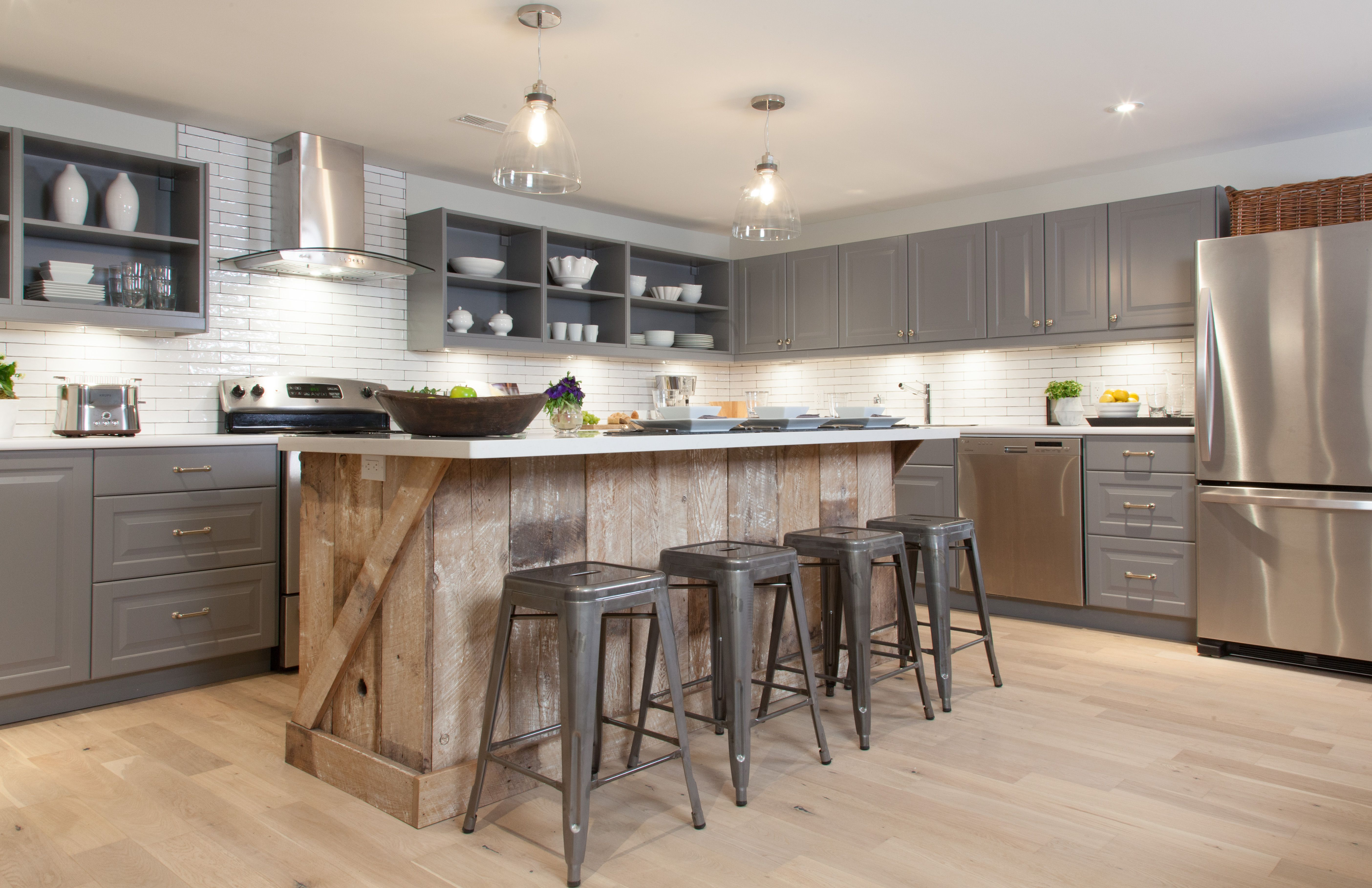 Modern country kitchen with reclaimed wood island and quartz countertops incomeproperty kitchens design