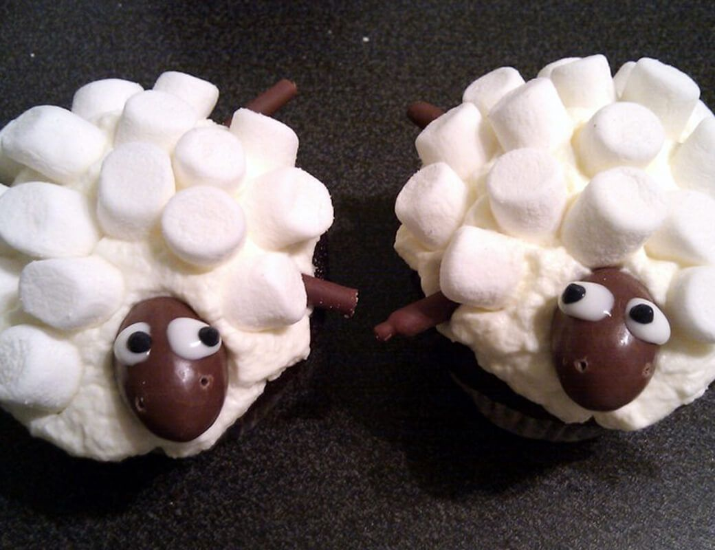 Cupcakes Kindergeburtstag Rezepte Sheep Cupcakes Recipe Sheep Cupcakes Kuchen And Catering