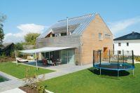 Haus Mit Holzfassade. energiesparhaus mit satteldach ...