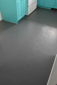 How to Paint a Vinyl Floor   Painted vinyl floors, House ...
