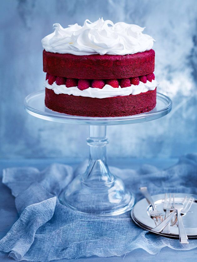 Donna Hayu0027s Red Velvet Cake with Marshmallow Icing Amazing Cakes - kuchen design de rosso velve kollektion
