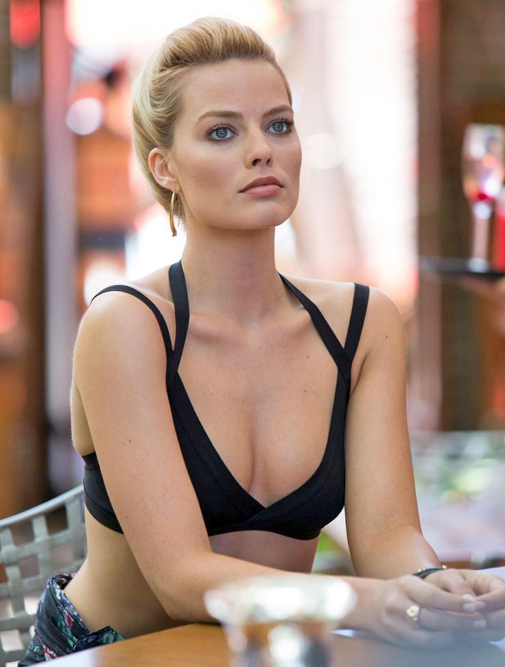 Iphone Wallpaper Beach Girl Margot Robbie Margot Robbie Pinterest Margot Robbie