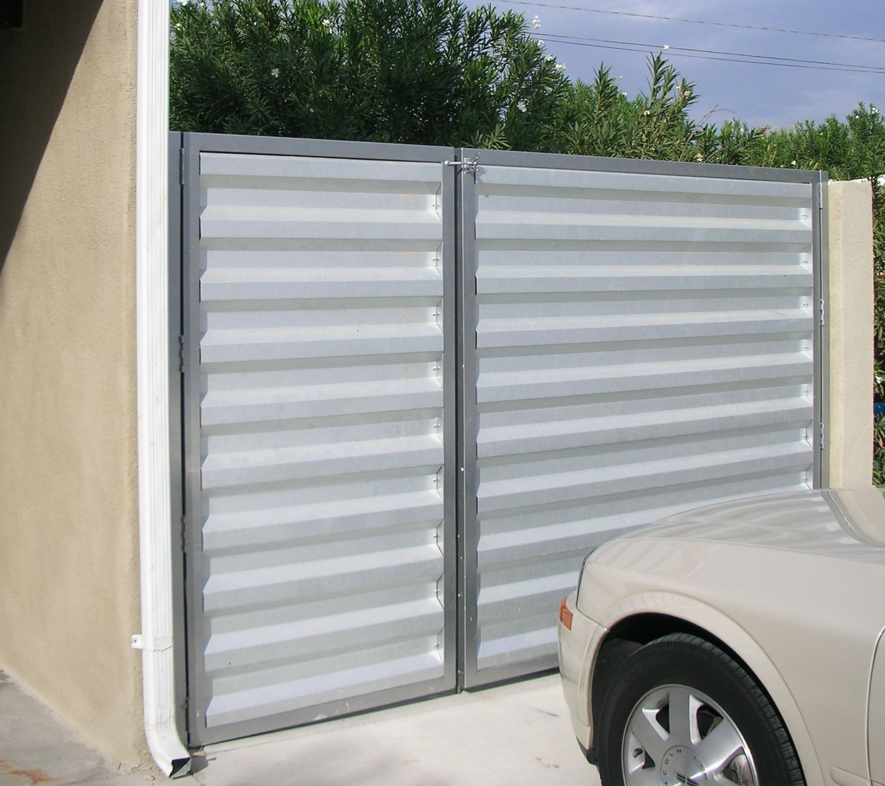 Modern Metal Fence Panels Modern Fencing Re Modern Corrugated Fence Help Needed
