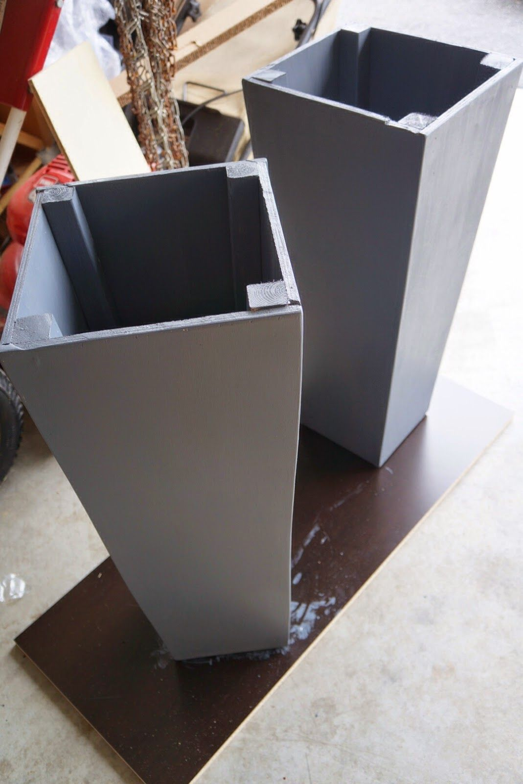 Square Concrete Planter Diy Tall Square Planters I Would Cut The Supports Frame