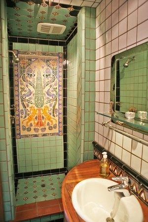 From a Spanish Revival home in Ventura, CA by @Michael Kelly, co - badezimmer spanisch