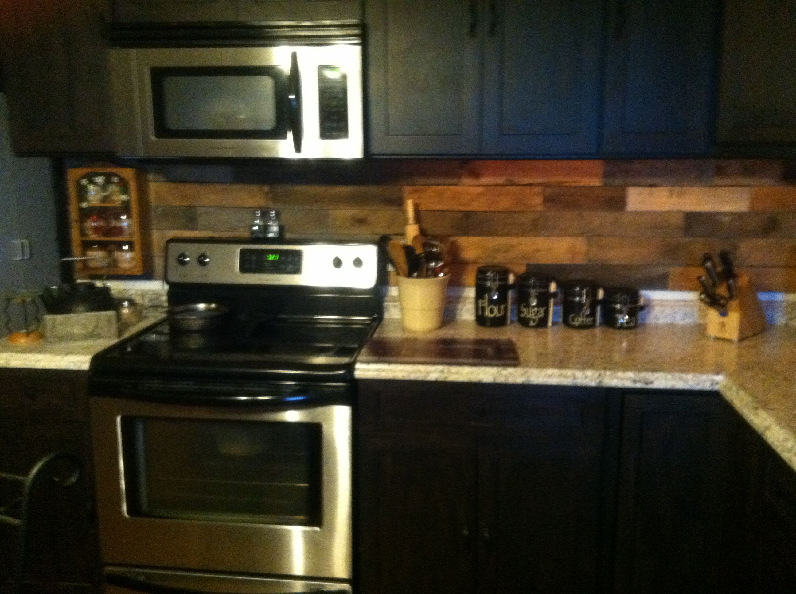 Diy Rustic Backsplash Pallet Backsplash In Our Old Farm House Kitchen