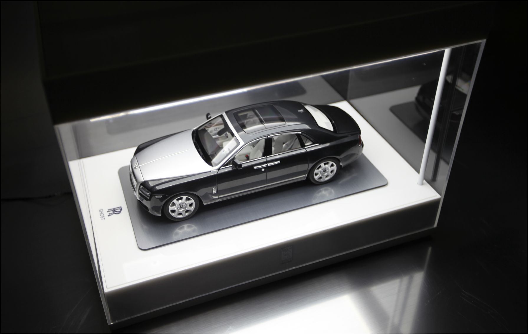Model Display Cases 1 18 Scale Led Display Case Model Cars Display