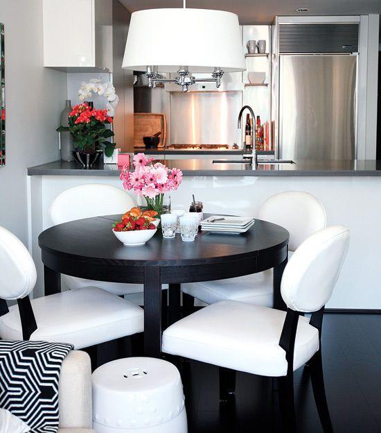 BJURSNÄS runder schwarzer Esstisch aus Holz für kleinen Essplatz - ikea esstisch beispiele skandinavisch