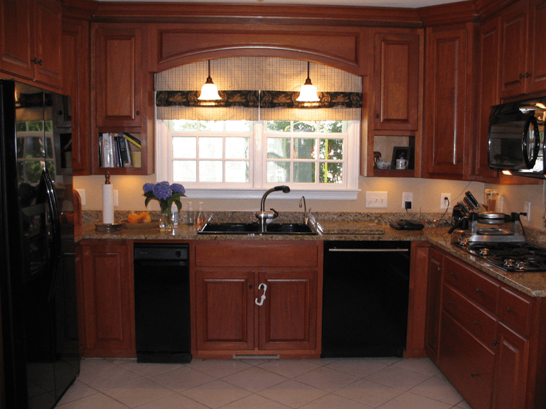 pictures of kitchens with maghoney stained cabinets