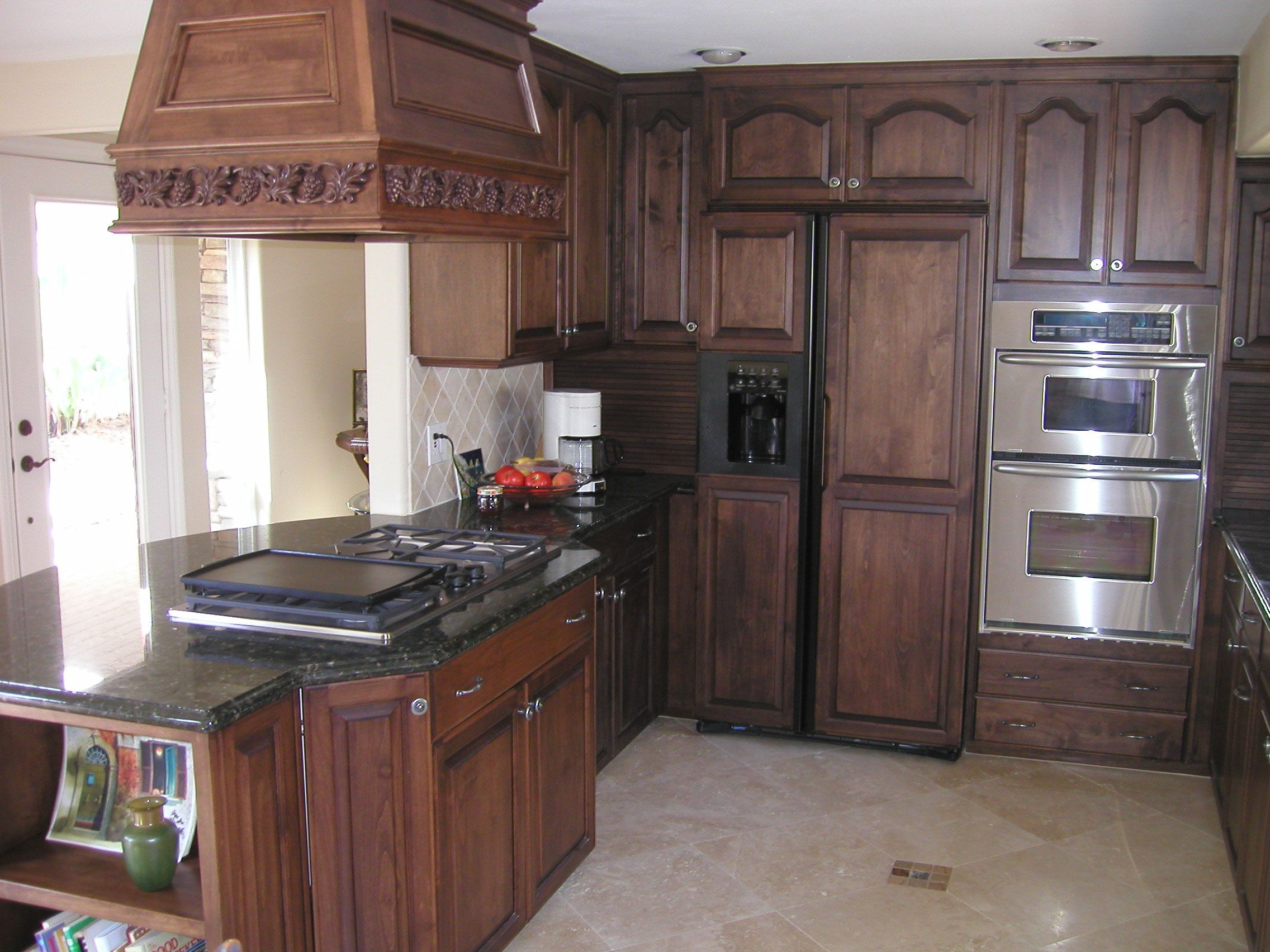 25 traditional dark kitchen cabinets