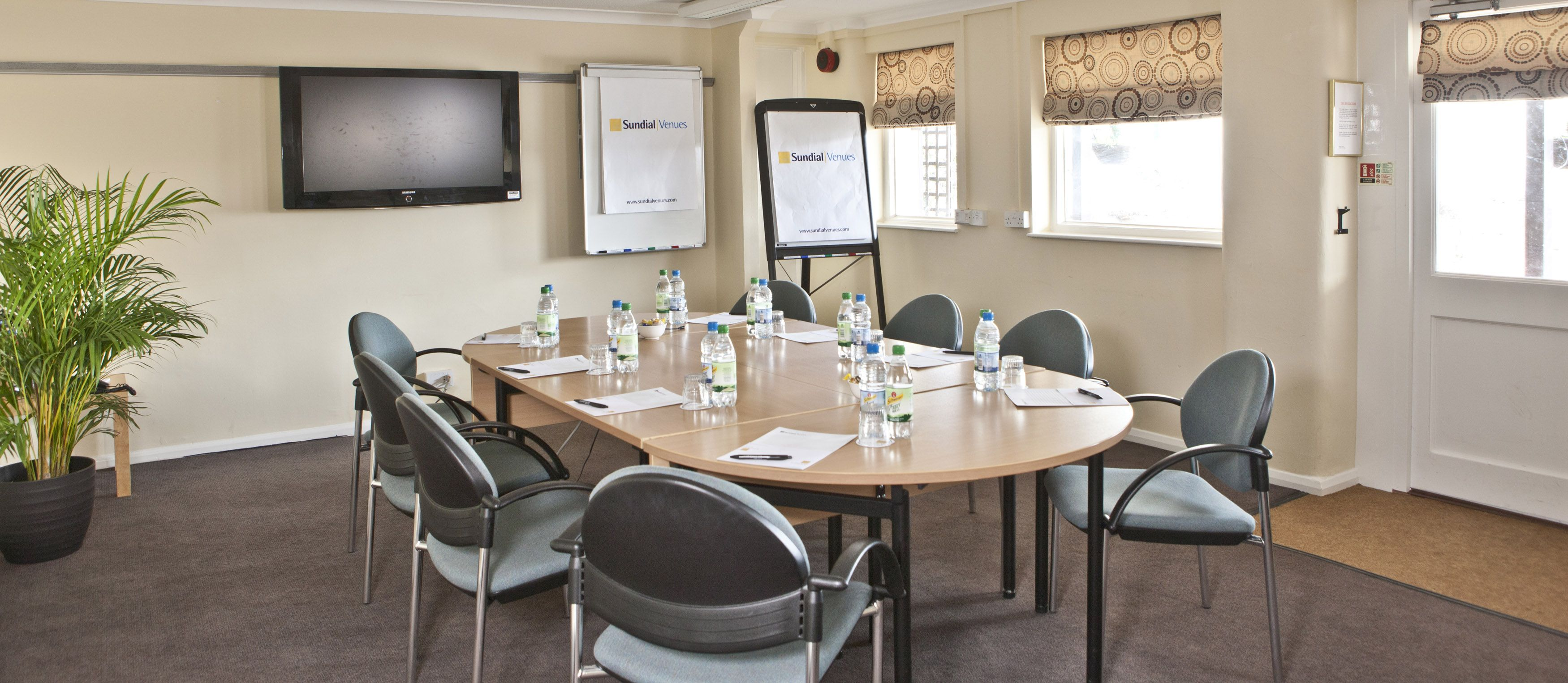 Conference Room Decorating Interior Designs Affordable Office Meeting Room With White